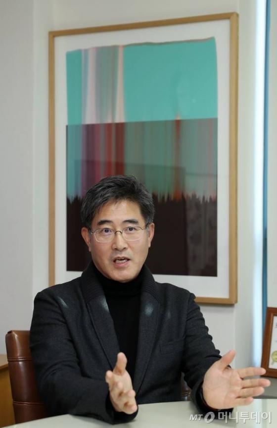 장동훈 SADI 원장은 1980년대부터 디자인을 공부한 국내 1세대 산업디자이너로 손꼽힌다. /사진=김휘선 기자