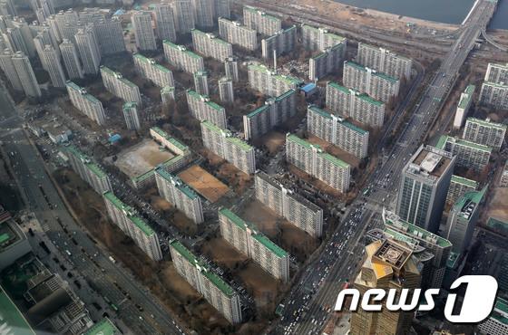 재건축 진행 중인 서울의 한 아파트 단지 전경. /사진=뉴스1
