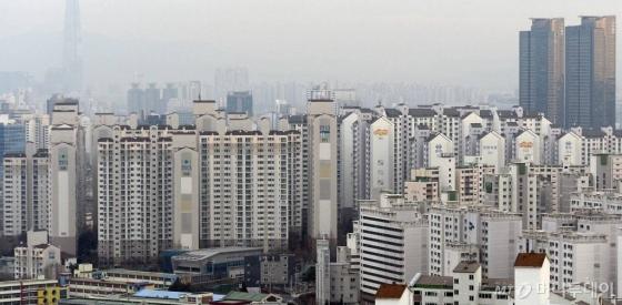 '보유세 인상·거래세 인하' 패키지…10년 만에 '재등판'