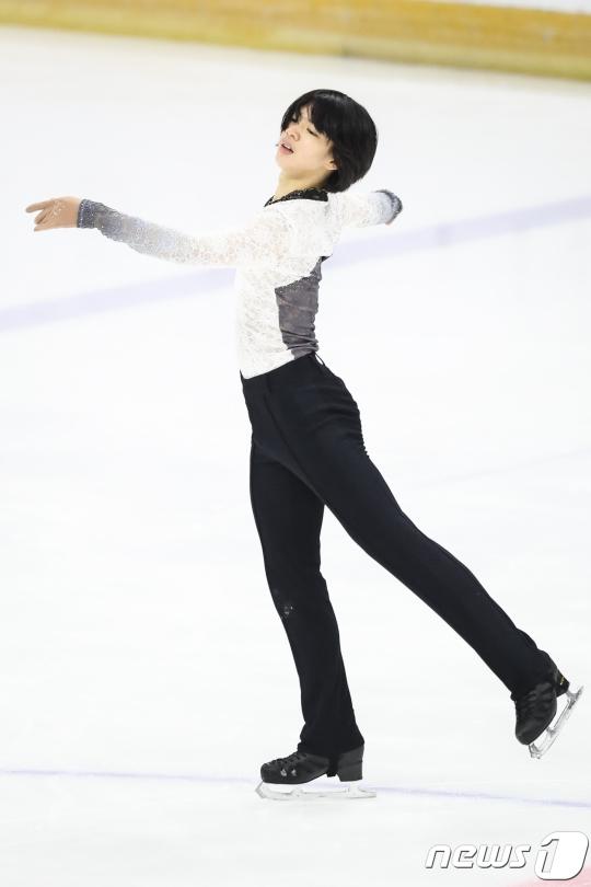 한국 남자피겨 대표로 평창 올림픽에 나서는 차준환. /사진=뉴스1<br /> <br />