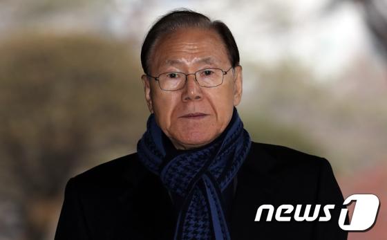 [사진]이명박 대통령 '집사', 김백준 전 청와대 총무기획관 검찰출석