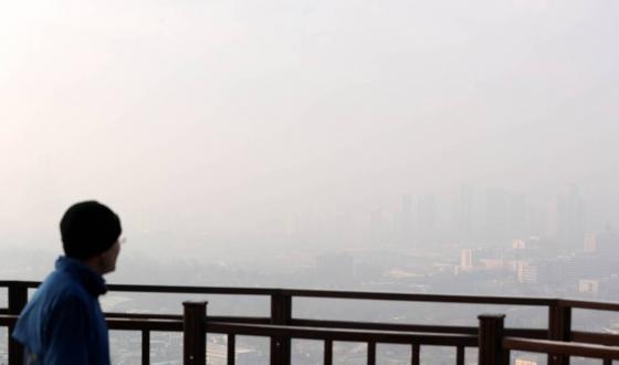 14일 오전 서울 용산구 남산에서 바라본 도심이 미세먼지로 뒤덮여 있다. /사진=뉴시스