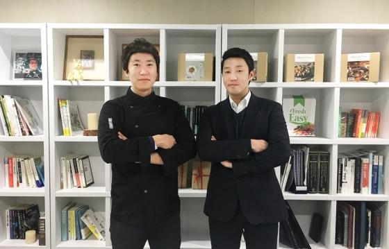 프레시지 정중교 대표(오른쪽)와 이광연 셰프/사진제공=프레시지