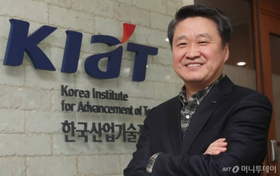 머투초대석 김학도 한국산업기술진흥원장 인터뷰
