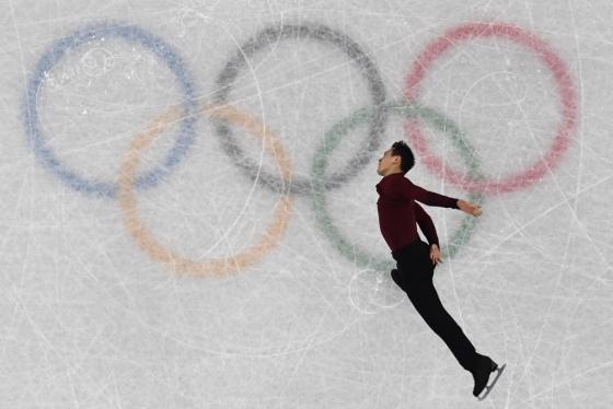 캐나다 남자싱글 대표 패트릭 챈이 12일 오전 강원도 강릉 아이스아레나에서 경기하고<br />  있다. /AFPBBNews=뉴스1