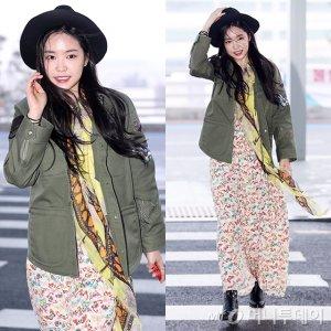 손나은, 공항 패션 '잇템'은?…