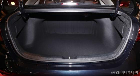 [사진]동급 최대 트렁크 용량 자랑하는 '올 뉴 K3'