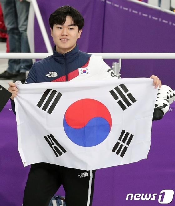 스피드스케이팅 남자 1500m 동메달을 따낸 김민석. /사진=뉴스1<br /> <br />