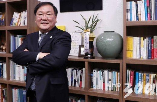 김태년 더불어민주당 정책위의장 인터뷰.