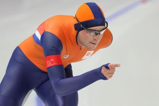 스벤 크라머(네덜란드)가 15일 강원도 강릉 스피드스케이팅 경기장 오벌에서 열린 2018 평창동계올림픽 스피드스케이팅 남자 10,000m 경기에서 질주하고 있다./사진=뉴스1