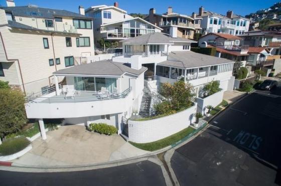 워런 버핏 버크셔해서웨이 회장이 매물로 내놓은 미국 캘리포니아주 저택/사진=레드핀 웹사이트(redfin.com)