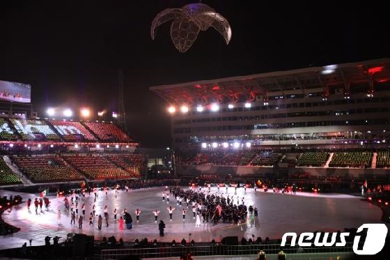 [평창] 동계올림픽 이어 패럴림픽도 계속된 자원봉사자의 '무한 댄스'