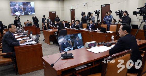 지난 2월 서울 여의도 국회에서 열린 국방위원회 전체회의 모습 / 사진 = 뉴스1