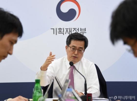김동연 부총리 겸 기획재정부 장관이 13일 세종시 기획재정부 청사에서 기자회견을 갖고 있다. /사진제공=기획재정부