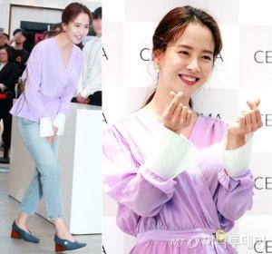 송지효, 보라빛 패션으로 화사하게…광채 피부 '눈길'