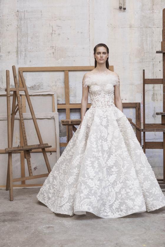 아쉬스튜디오 2018 S/S 오뜨쿠튀르 컬렉션, 주문 제작된 최지우 드레스와는 다른 디자인. /사진=ASHISTUDIO
