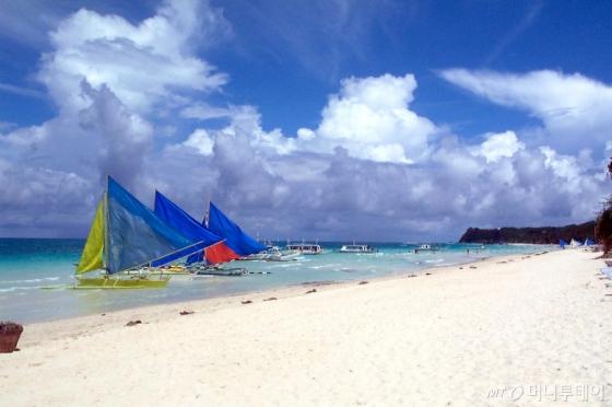 필리핀 정부 발표로 세계적 휴양지 보라카이가 26일부터 6개월간 폐쇄된다. /사진제공=하나투어