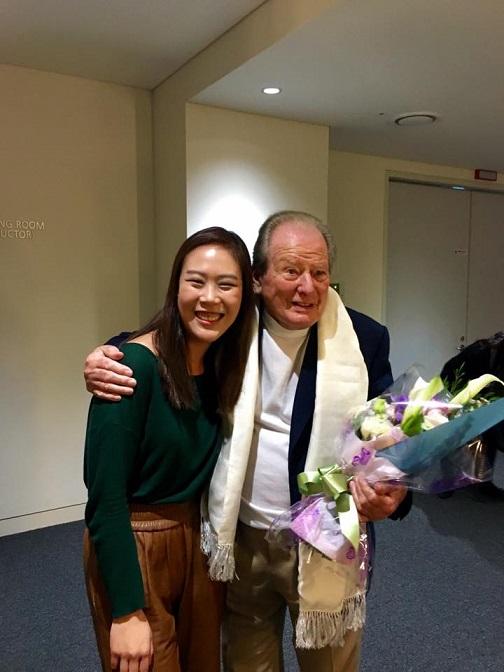 피아니스트 손열음(왼쪽)과 2016년 작고한 지휘자 네빌 마리너. /사진제공=크레디아<br />