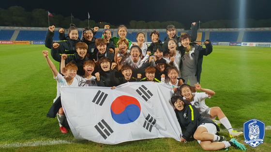 2018 아시아축구연맹(AFC) 아시안컵을 5위로 마감해 2019 국제축구연맹(FIFA) 프랑스 월드컵 진출권을 따낸 한국 여자축구 대표팀. /사진제공= 뉴스1