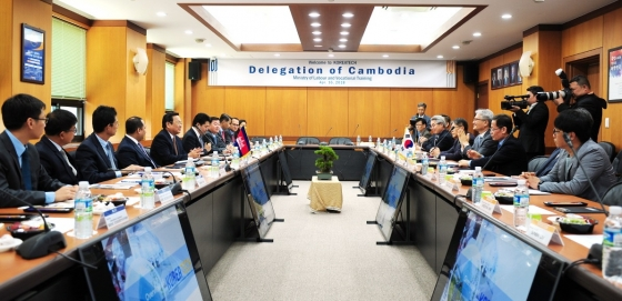 코리아텍, 캄보디아 노동 장관과 TVET 활성화 논의