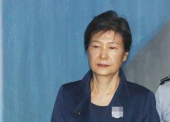 박근혜 재판⑪ 보이콧의 아이콘 '구치소 밖은 위험해'
