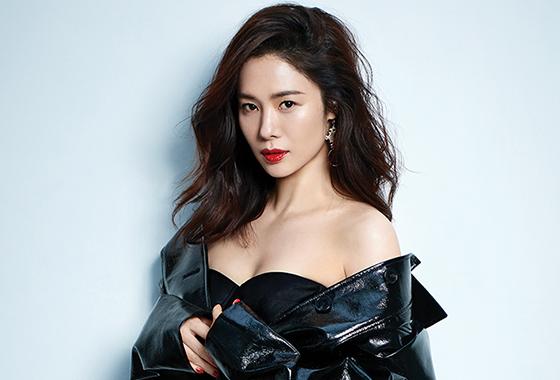 배우 김현주/사진제공=코스모폴리탄