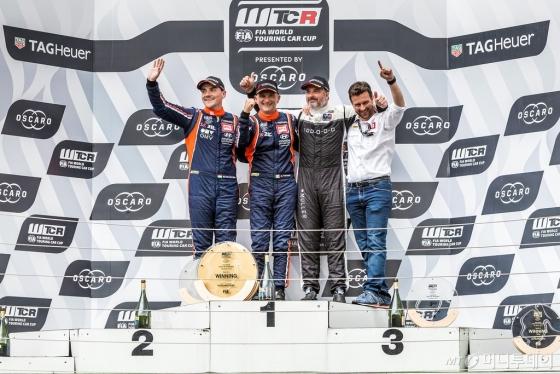 현대차는 'i30 N TCR'이 '2018 WTCR' 모로코 개막전에 이어 지난 28~29일 헝가리의 '헝가로링 서킷(Hungaroring Circuit)'에서 열린 두 번째 대회 결승3에서 우승했다./사진제공=현대차