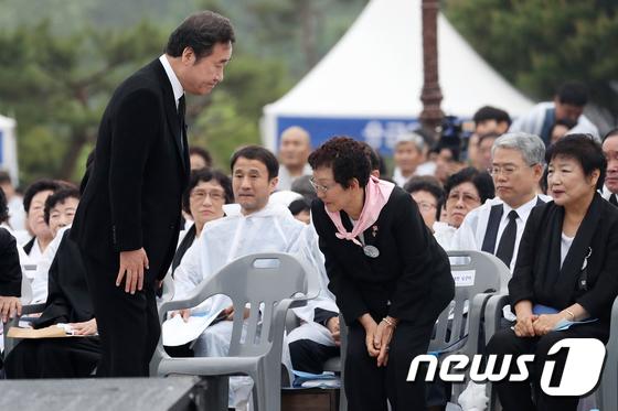 [사진]5.18 유가족들 만난 이낙연 총리