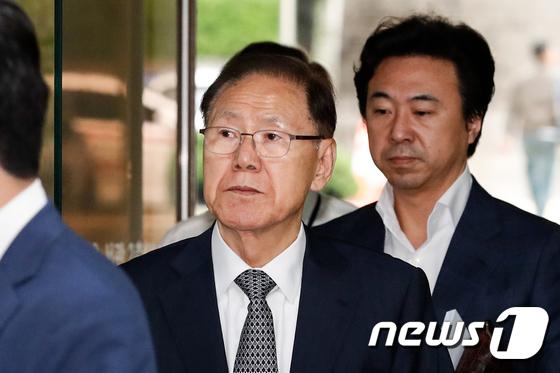[사진]MB 집사 김백준 전 청와대 기획관 '법정으로'