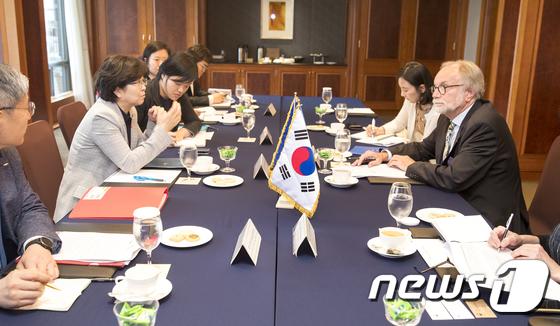 [사진]김은경 환경부 장관, 주한EU회원국 대사 간담회