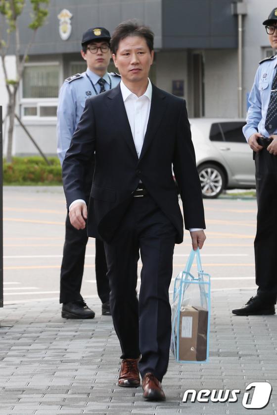 [사진]'국정원 특수활동비 수수혐의' 안봉근 보석으로 석방