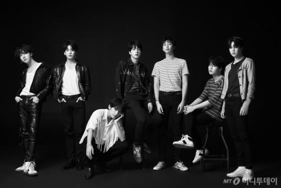 """BTS의 매직…""""컨베이어 시스템 깨뜨렸다"""""""