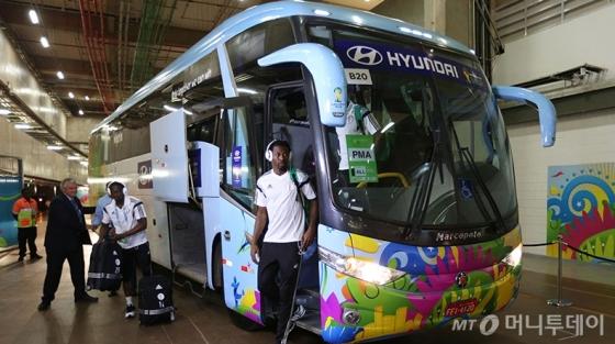 '2014 브라질 월드컵'에서 현대차 버스를 사용하는 모습 /사진=FIFA 홈페이지