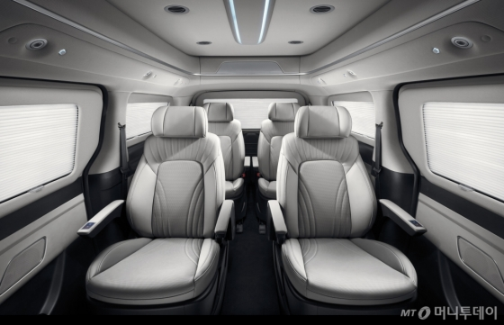 현대차 '더 뉴 그랜드 스타렉스 리무진' 실내/사진제공=현대차