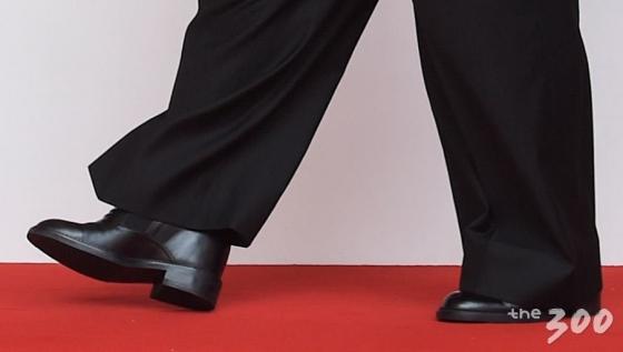 190cm 트럼프와 나란히…김정은, '키높이 구두' 신었다