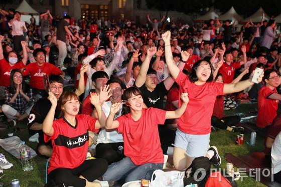 거리응원/사진=뉴스1
