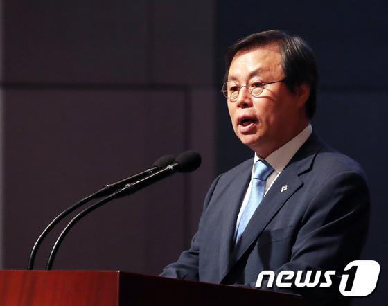 [사진]도종환 장관의 축사