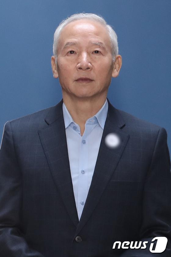[사진]남재준 전 국정원장 '실형 선고 받고 구치소로'