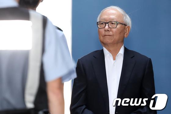 [사진]이병호 전 국정원장 '징역 3년 6개월'