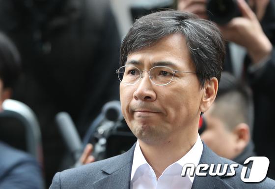 '성폭행 혐의'로 고소당한 안희정 전 충남지사. 2018.3.19/뉴스1 © News1 허경 기자