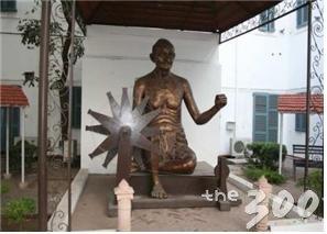 뉴델리 간디 기념관의 간디 동상/청와대 제공
