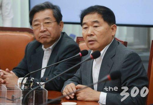 황주홍 민주평화당 의원(오른쪽). /사진=이동훈 기자