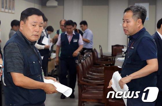 [사진]'공익위원안 8350원으로 최저임금 결정, 근로자위원 불만족'