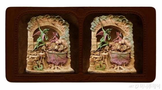 현대차는 15일(현지시간) 미국 L.A.(로스앤젤레스) LA 카운티 미술관(LACMA)에서 개막한 '더 현대 프로젝트: 3D: Double Vision' 전시회를 후원한다. 3D 아트북 'Diableries'에 수록된 입체 그림(1860) Various Makers, Selection of Diableries, c. 1860, Collection of Dr. Brian May./사진출처=Collection of Dr. Brian May, digitized by Denis Pellerin