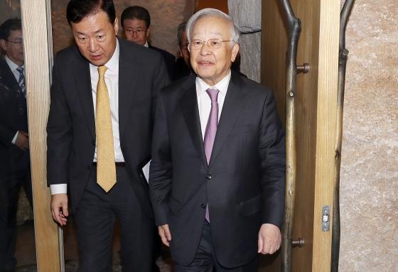 손경식 한국경영자총협회 회장(오른쪽)/사진=김휘선 기자