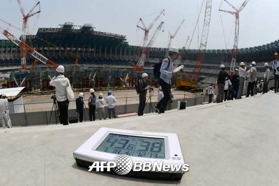 18일 2020 도쿄올림픽 주경기장의 내부 온도가 40도를 넘어섰다./AFPBBNews=뉴스1