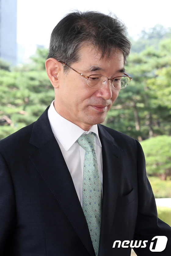 [사진]굳은 표정의 안철상 법원행정처장