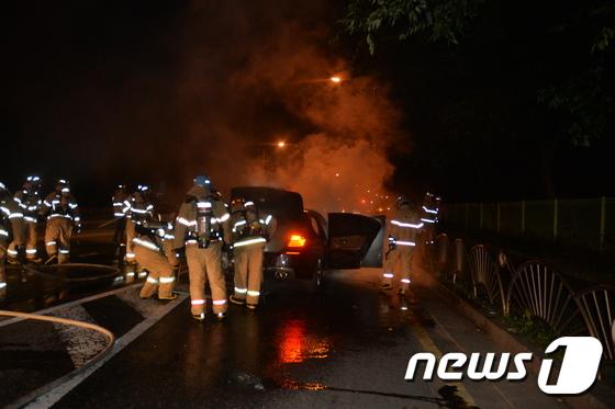 [사진]BMW 520D 또 화재...'화차(火車) 포비아'