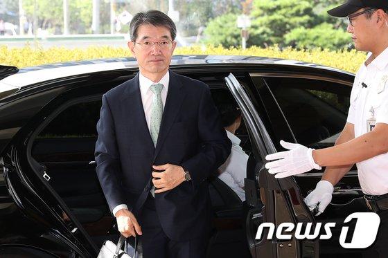 [사진]대법원 도착한 안철상 법원행정처장