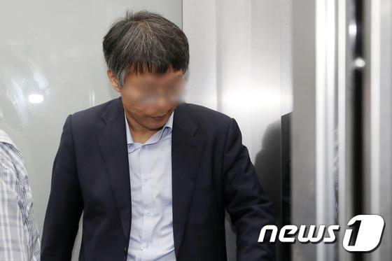 [사진]특검 출석한 '드루킹' 최측근 윤 모 변호사